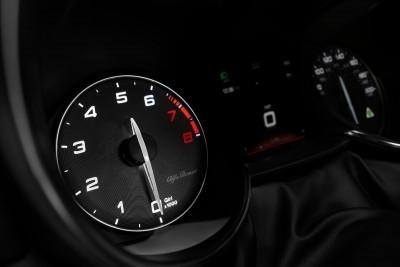2016 Alfa Romeo GIULIA Interior 15