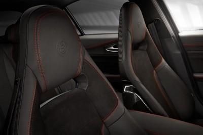 2016 Alfa Romeo GIULIA Interior 17