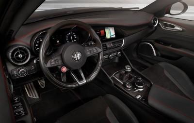 2016 Alfa Romeo GIULIA Interior 6