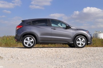 2016 Honda HR-V AWD Review 23