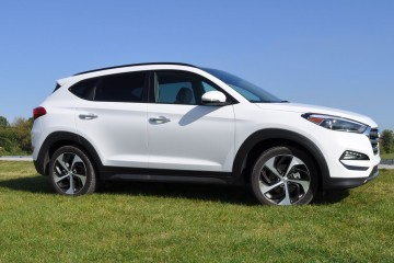 First Drive Review, Video and Pricing - 2016 Hyundai TUCSON Limited 1.6T AWD DCT