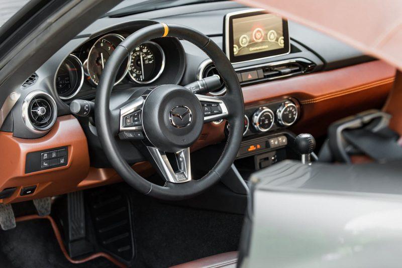 2016 Mazda MX-5 Spyder Versus MX-5 Speedster Concepts 16