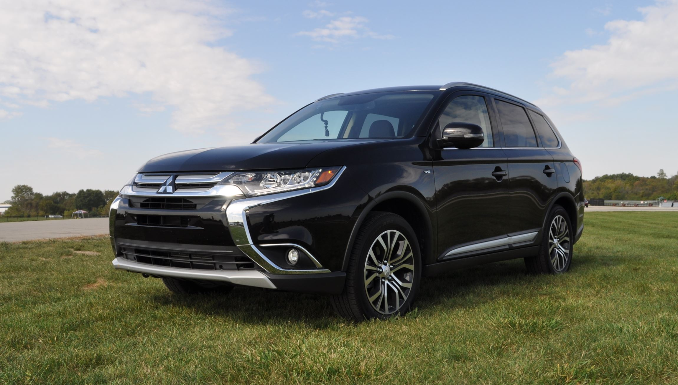 2016 mitsubishi outlander 3 0 gt s awc review 45. Black Bedroom Furniture Sets. Home Design Ideas