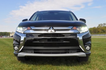 2016 Mitsubishi Outlander 3.0 GT S-AWC Review 47