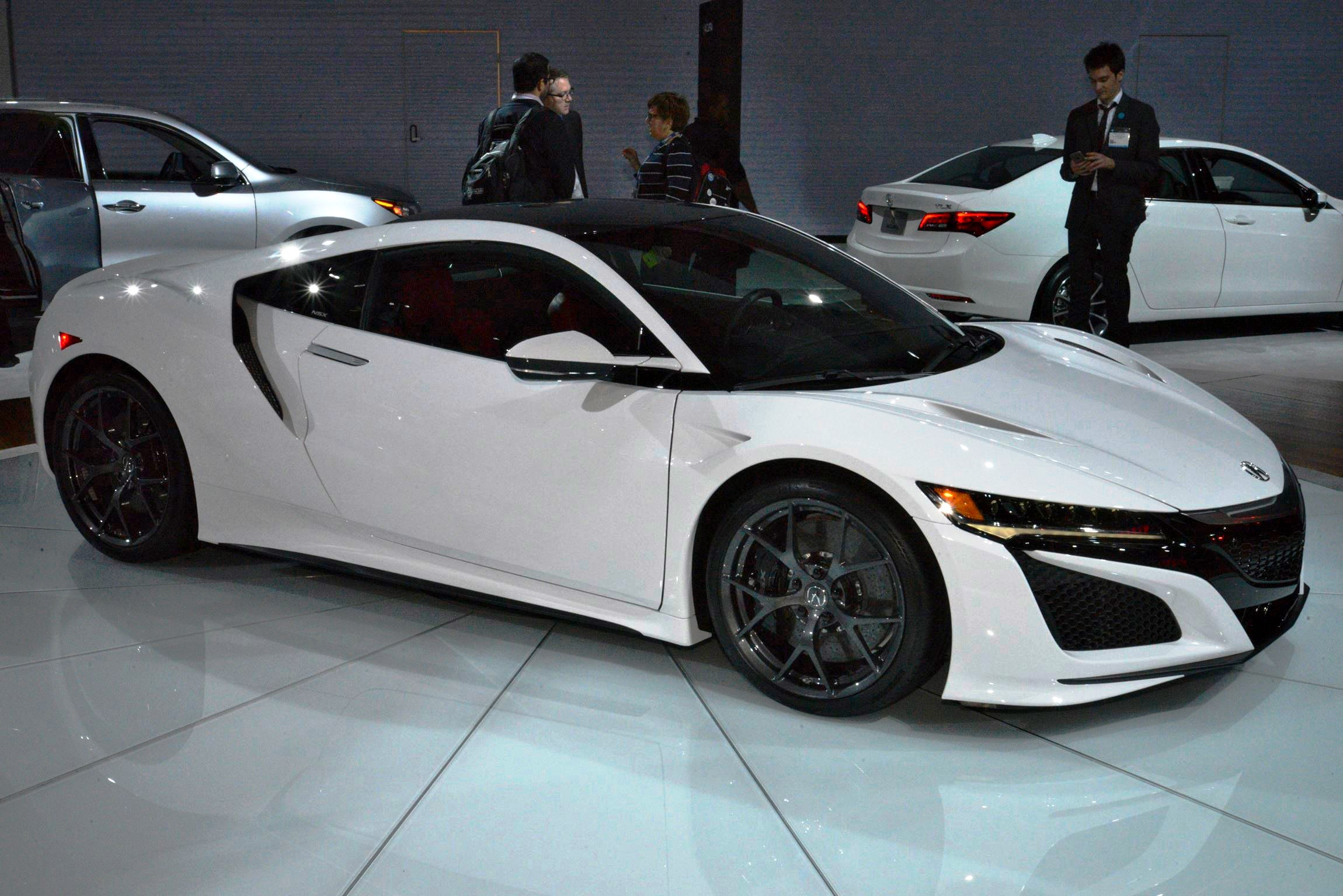 2017 Acura NSX white 1 – Car-Revs-Daily.com