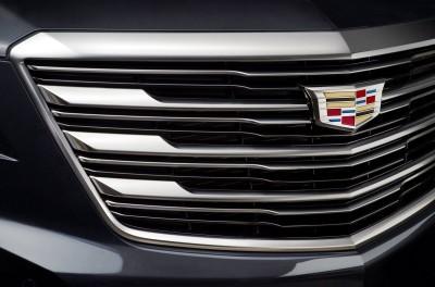 2017-Cadillac-XT5-008