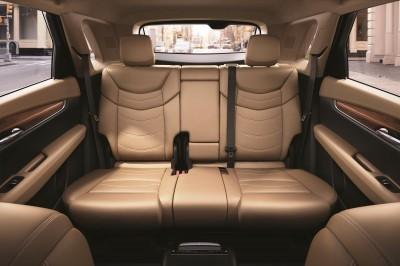 2017-Cadillac-XT5-013