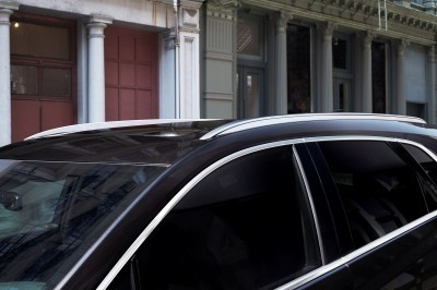 2017-Cadillac-XT5-014
