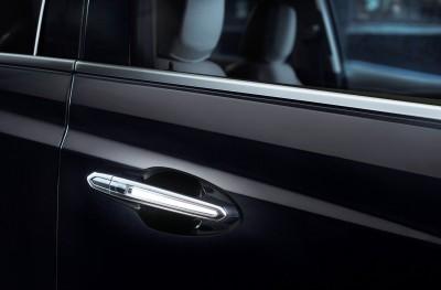 2017-Cadillac-XT5-016