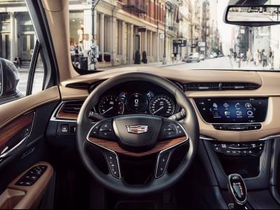 2017-Cadillac-XT5-017