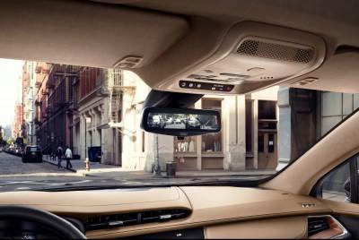 2017-Cadillac-XT5-019