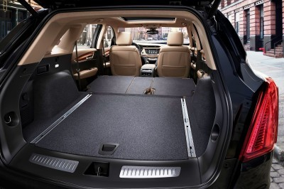 2017-Cadillac-XT5-021