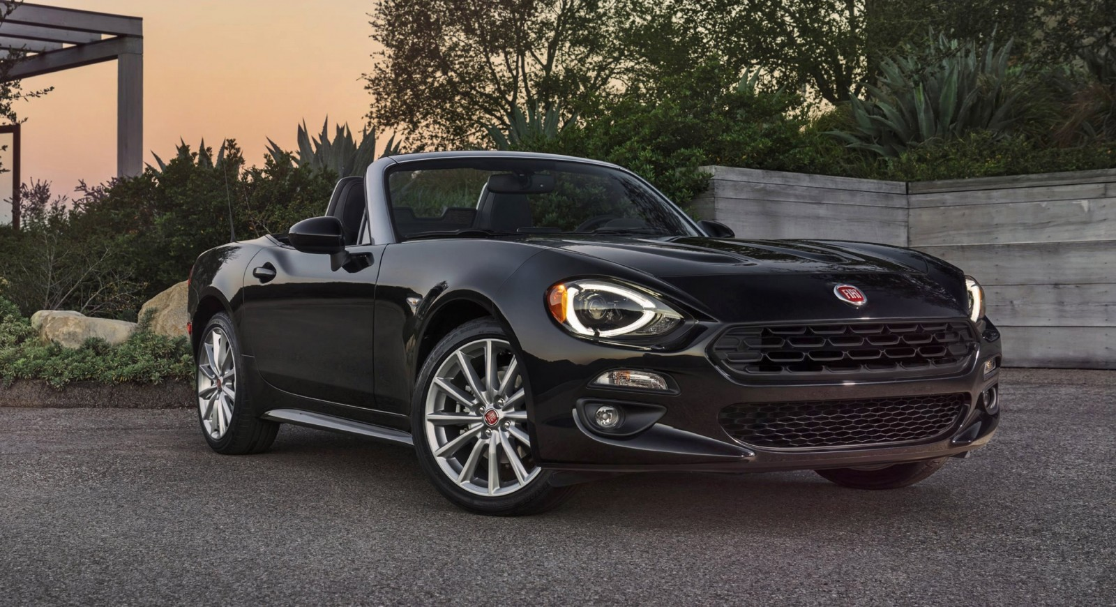mountain drive 2017 fiat 124 spider by anthony fongaro car revs. Black Bedroom Furniture Sets. Home Design Ideas