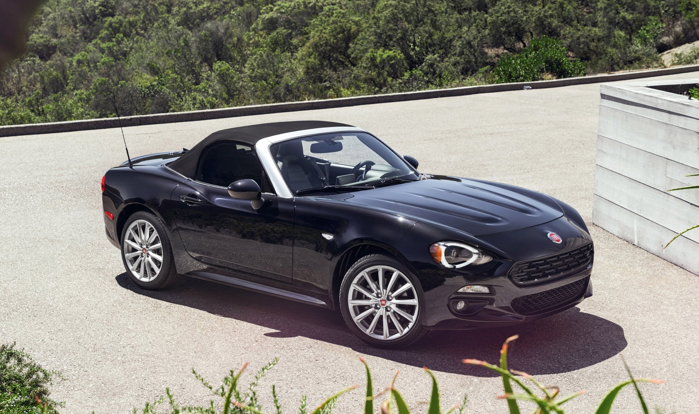 2017 FIAT 124 Spider 2 2017 fiat 124 spider gorgeous miata makeover is biggest la debut yet  at crackthecode.co