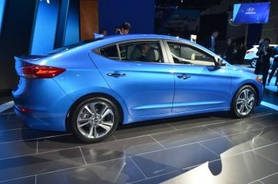 2017 Hyundai ELANTRA Sedan 11