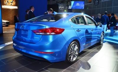 2017 Hyundai ELANTRA Sedan 14