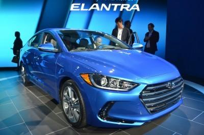 2017 Hyundai ELANTRA Sedan 15