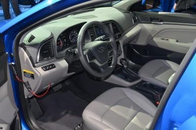 2017 Hyundai ELANTRA Sedan 4