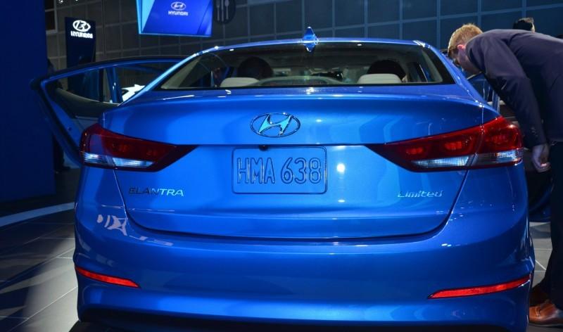 2017 Hyundai ELANTRA Sedan 8