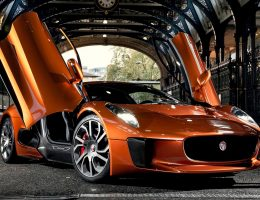 SPECTRE Villain JAGUAR C-X75 – Dynamic Debut in London for Lord Mayors Parade
