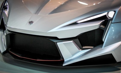 W Motors FENYR SuperSport 5