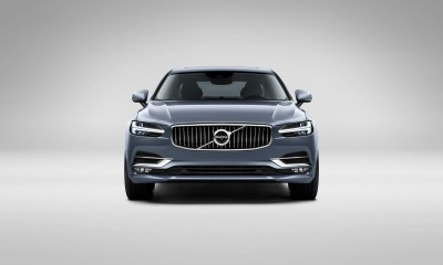 171018_Front_Volvo_S90_Mussel_Blue