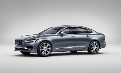 171020_Front_Quarter_Volvo_S90_Mussel_Blue