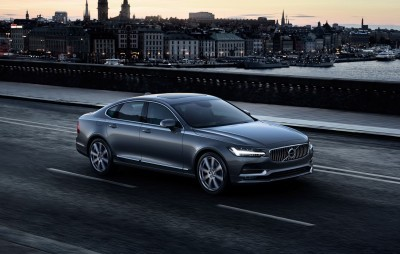 171021_Location_Front_Quarter_Volvo_S90_Osmium_Grey