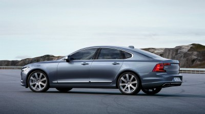 171092_Rear_Quarter_Profile_Volvo_S90_Mussel_Blue