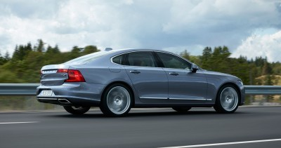 171095_Location_Rear_Quarter_Right_Volvo_S90_Mussel_Blue