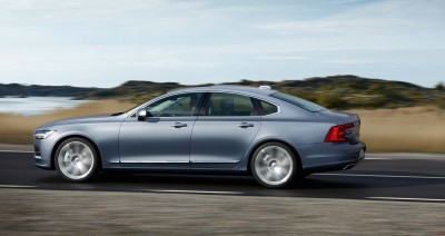171096_Location_Rear_Quarter_Left_Volvo_S90_Mussel_Blue
