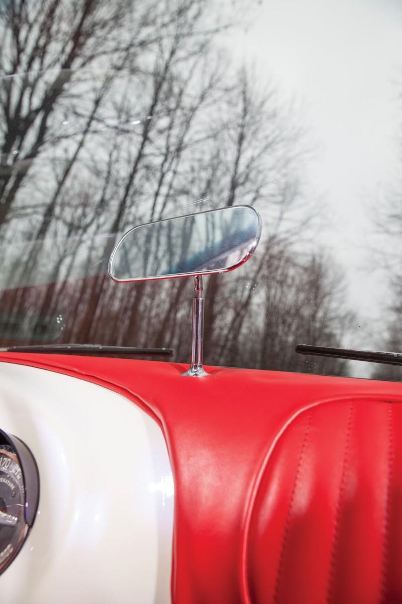 1954 Kaiser-Darrin Roadster 18