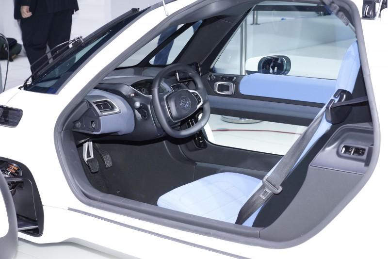 2011 Volkswagen NILS 4