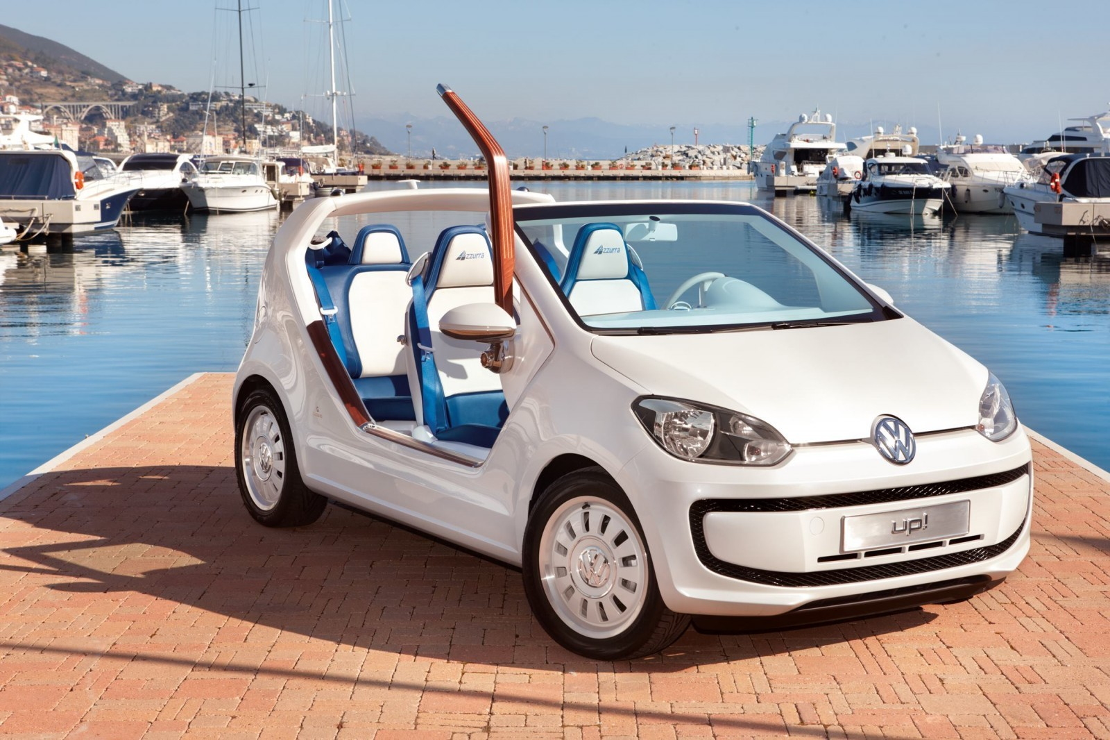 2011 volkswagen up azzurra sailing team 11. Black Bedroom Furniture Sets. Home Design Ideas