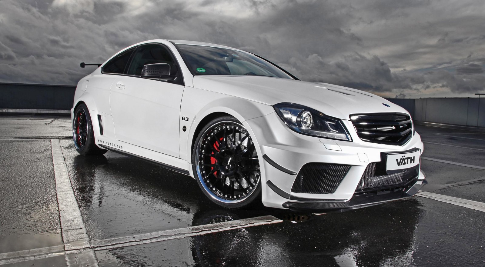 217mph 756hp 2014 v th clk63 amg black series is still for Mercedes benz c600 price
