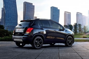 2016-Chevrolet-Trax-MidnightEdition-029