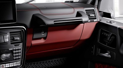 Mercedes-Benz G-Klasse, designo manufaktur, Interieur zweifarbig schwarz/rot mit roten Ziernähten Mercedes-Benz G-Klasse, designo manufaktur, two-tone interior black/red with red topstiching