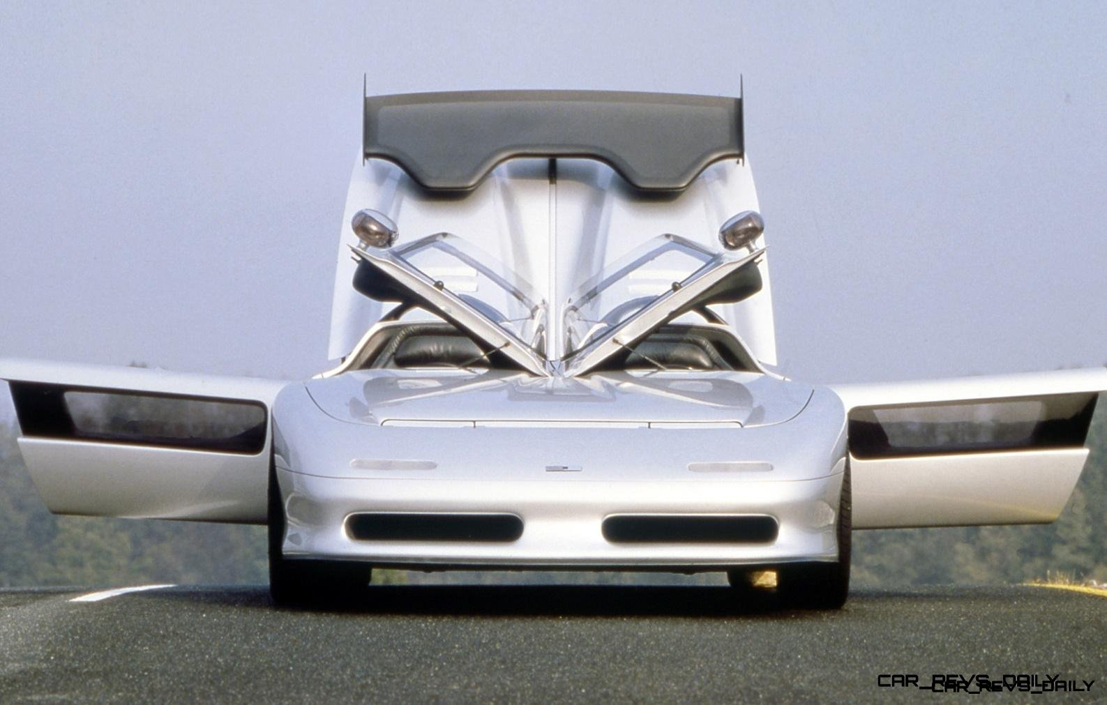 Concept Flashback - 1988 ITALDESIGN Aztec 11