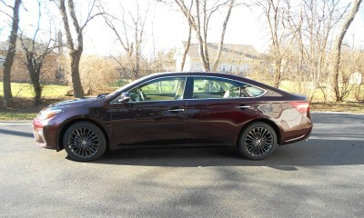 Road Test Review - 2016 Toyota AVALON Touring 14