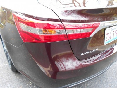 Road Test Review - 2016 Toyota AVALON Touring 4