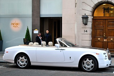 UFC Champ Conor McGregor Gets A 2015 Rolls-Royce Phantom Drophead 11