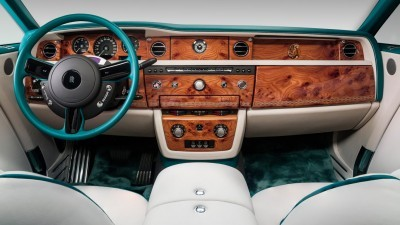 UFC Champ Conor McGregor Gets A 2015 Rolls-Royce Phantom Drophead 2