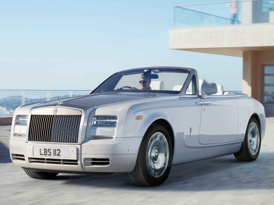 UFC Champ Conor McGregor Gets A 2015 Rolls-Royce Phantom Drophead 3