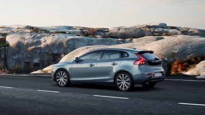 175938_Volvo_V40_T4_Momentum_Location_7_8_Rear