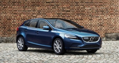 175946_Volvo_V40_T5_Inscription_Location_3_4_Front