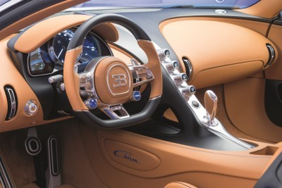 19_CHIRON_steering-wheel-side_PRINT