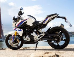 2017 BMW Motorrad G310 R – Ultra-Light Stunt Bike Is A Two-Wheeled Dino Ferrari
