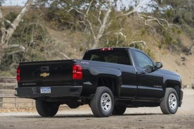 2016-Chevrolet-Silverado-046