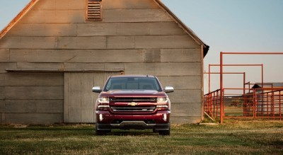 2016-Chevrolet-Silverado-LTZ-Z71-with-barn-010