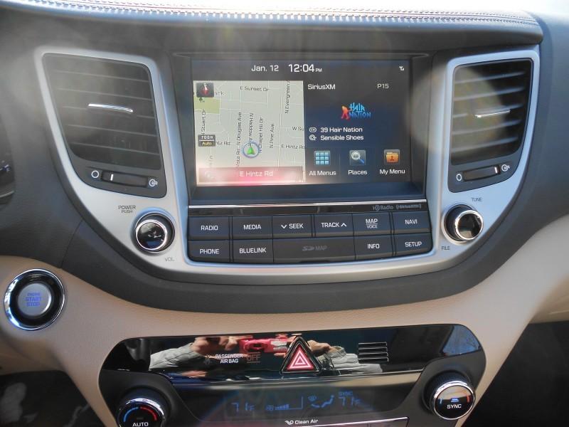 2016 Hyundai Tucson Review - Interior Photos 13